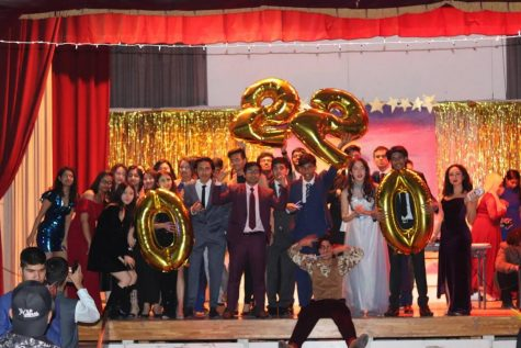 Seniors Celebrate at Year End Farewell Party