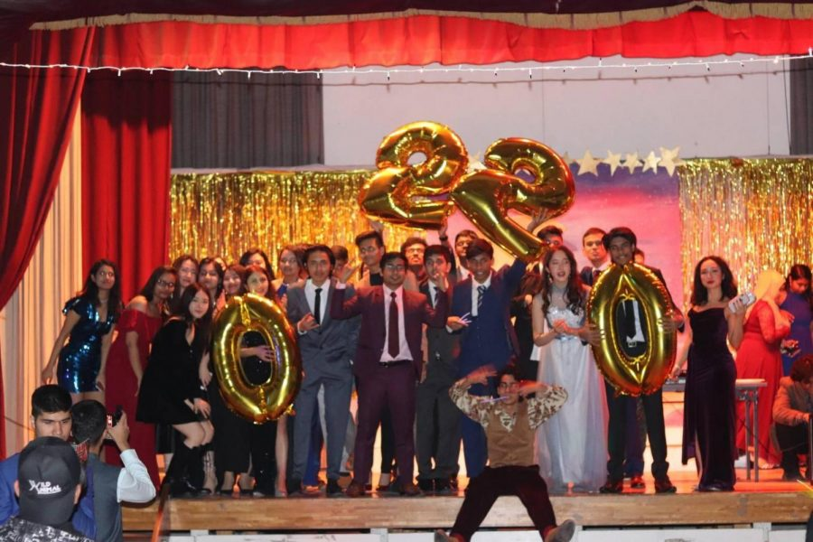 Seniors+Celebrate+at+Year+End+Farewell+Party